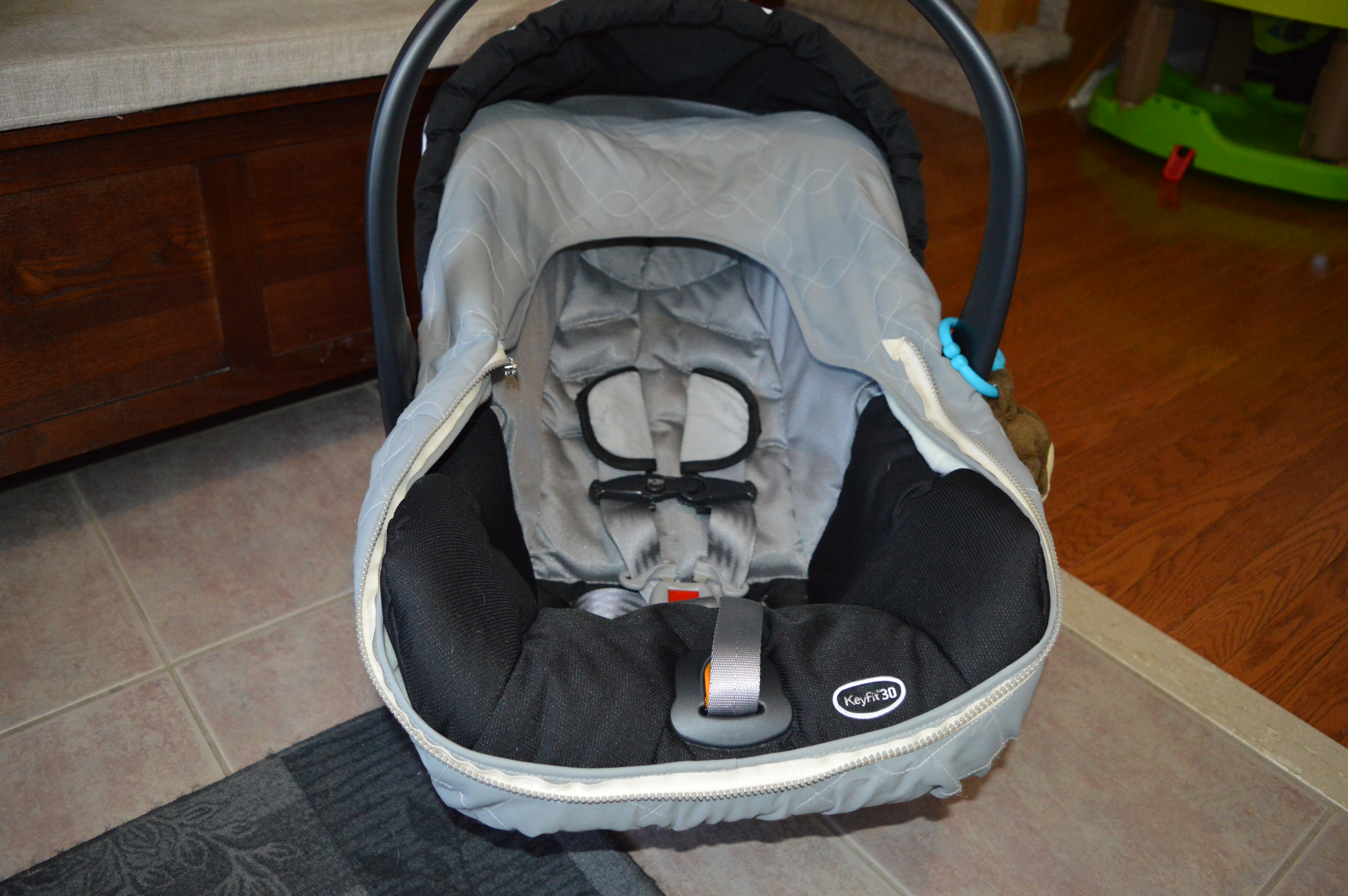 Baby bed like car seat - Here S The What The Chicco Keyfit30 Looks Like We Re Also Using The Jj Cole Bundle Me Car Seat Cover Which Has Kept Nate Nice And Toasty In The Bitter Cold
